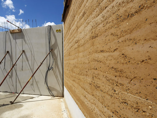 Construire en terre crue, un chantier pionnier à Nanterre !